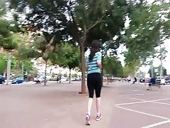 Chica Culona caminando part01
