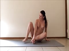 Nude Yoga with Aussie Babe Sassy Ava