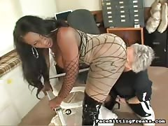 Old guy eating ebony's pussy and sucking her big ass