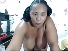 Colombiana BBW playing on webcam with dildo